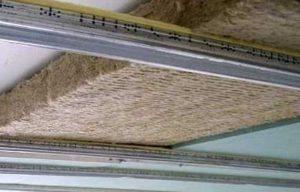 Шумоизоляция натяжного потолка минеральной ватой