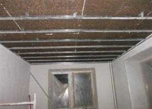 Шумоизоляция натяжного потолка пробкой