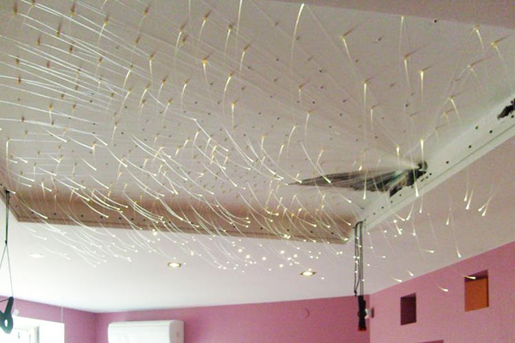 Потолок с оптоволокнами