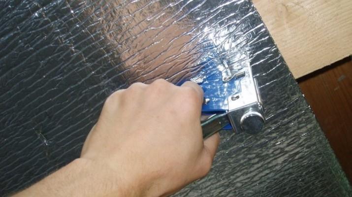 Крепеж строительным степлером