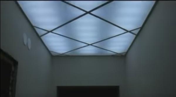 Подвесные потолки из оргстекла: достоинства, недостатки, особенности монтажа, практичные советы