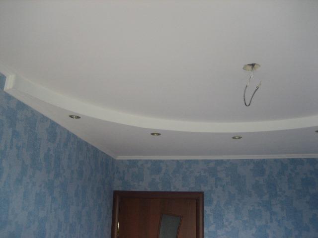 Никакой ремонт не может быть идеальным без ровного потолка, который отлично вписывается в интерьер жилого помещения