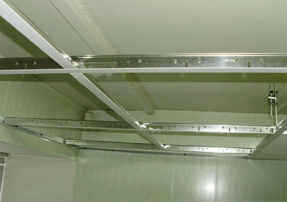 установка подвесного потолка своими руками