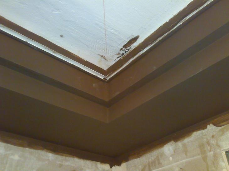 профиль по периметру потолка
