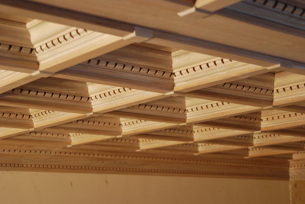 Деревянный подвесной потолок