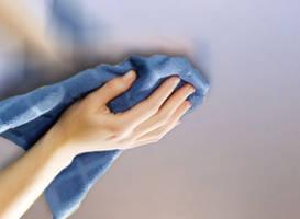 Фото: Уход за тканевыми натяжными потолками