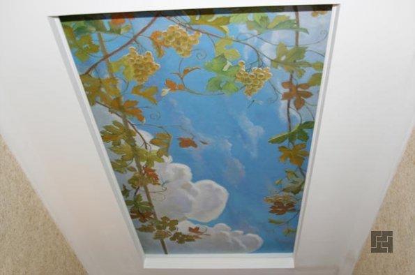 Художественная роспись на потолке