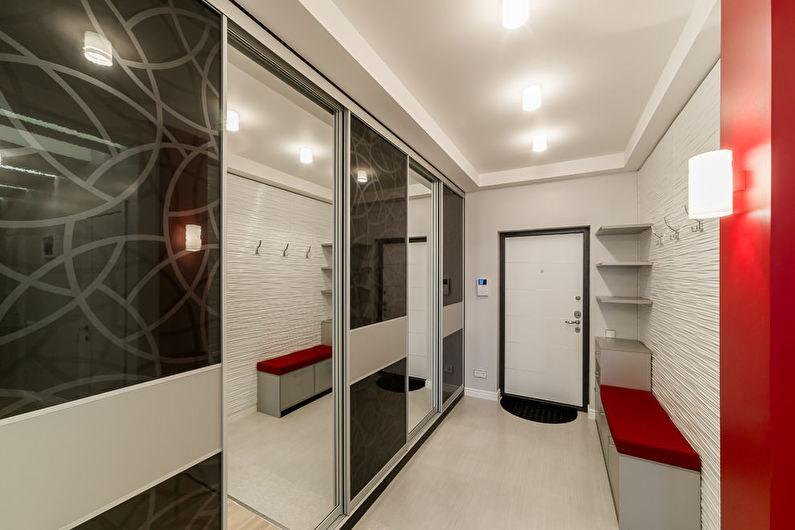 Двухуровневые потолки из гипсокартона в прихожей