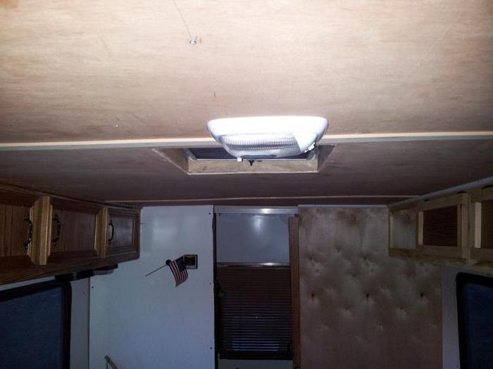чем заделать шов на потолке между плитами инструкция
