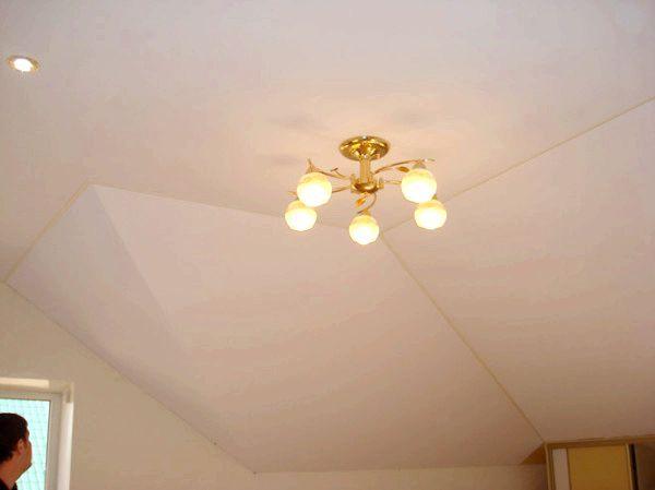 Фото - Мансардный потолок