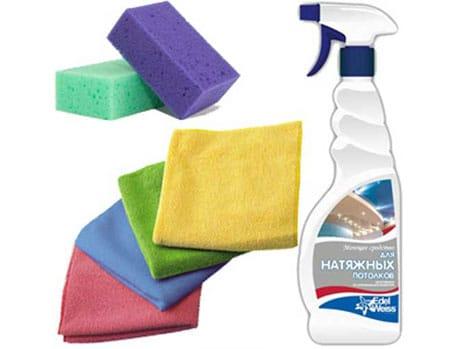Средство и губки для чистки потолка