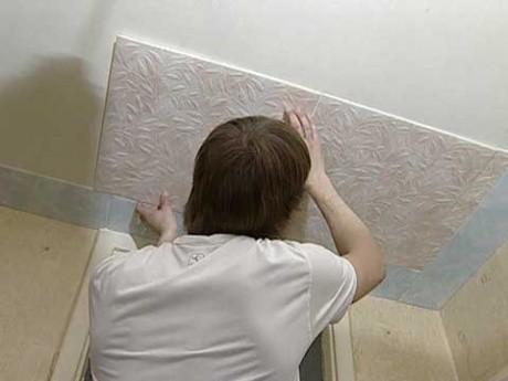 Ремонт потолка потолочной плиткой из пенополистирола