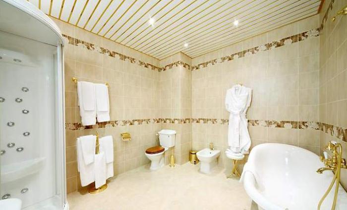 Потолок в ванной комнате</p> <p>