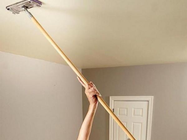 Уход за тканевым натяжным потолком