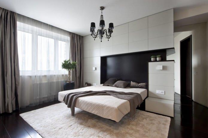 люстра в спальне с натяжными потолками
