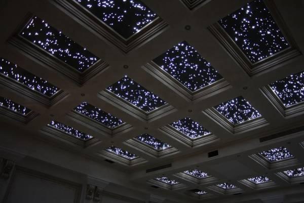 Кессоновый потолок с подсветкой