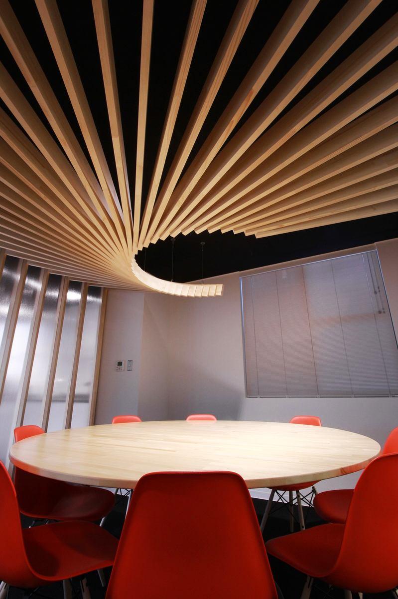 Мебель и предметы интерьера в цветах: серый, светло-серый, коричневый, бежевый. Мебель и предметы интерьера в стилях: американский стиль.