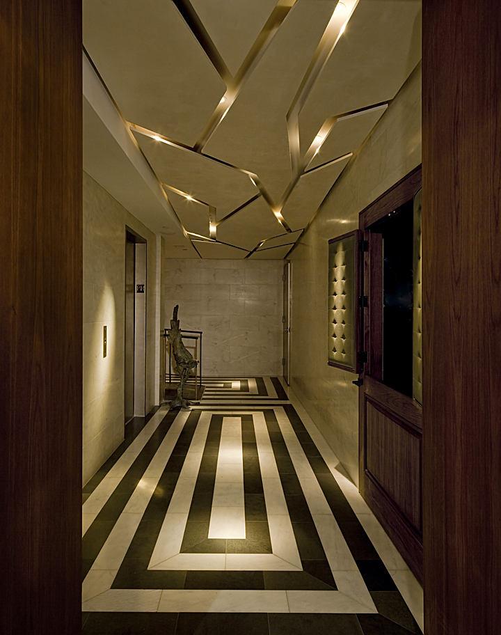 Мебель и предметы интерьера в цветах: черный, серый, темно-зеленый, темно-коричневый, бежевый. Мебель и предметы интерьера в стилях: эклектика.