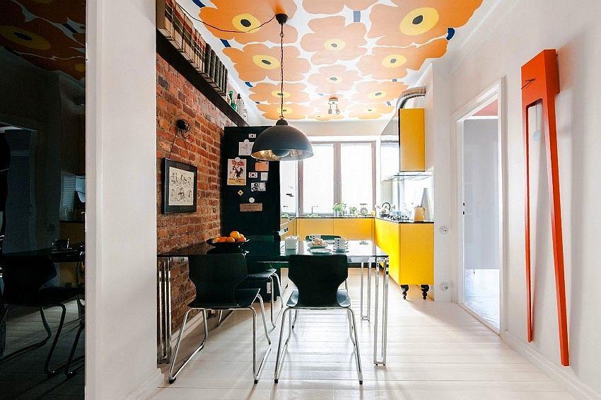 Кухня в цветах: желтый, серый, светло-серый, белый. Кухня в стиле лофт.