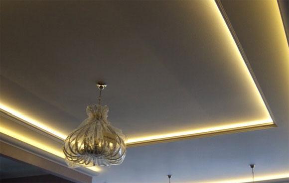 как спрятать подсветку в потолке