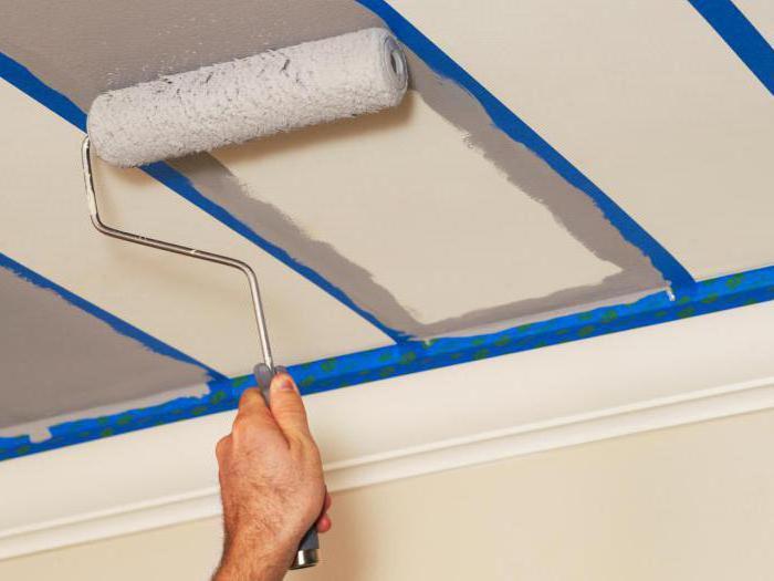 как красить потолок водоэмульсионной краской валиком