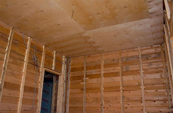 отделка потолка фанерой