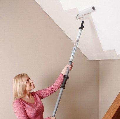 Валик для отделки потолка — это легкий и надежный инструмент для оформления интерьера