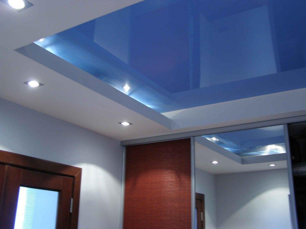 Натяжной потолок можно установить достаточно быстро, однако для этого вам потребуется помощь специалистов