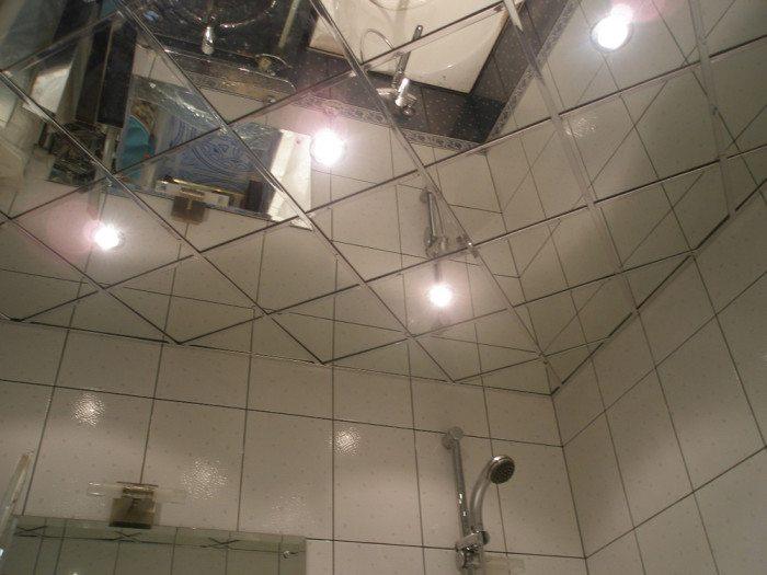 Фото 5 - Подшивной зеркальный потолок в ванной