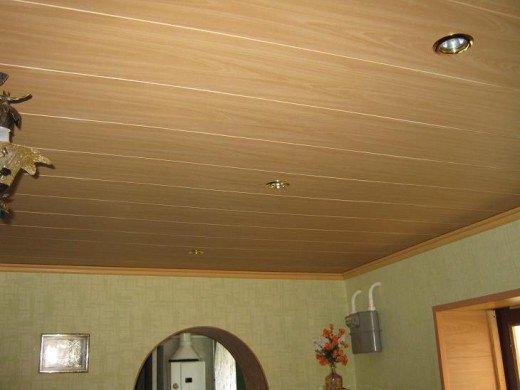 Потолок из ламинированных мдф-панелей