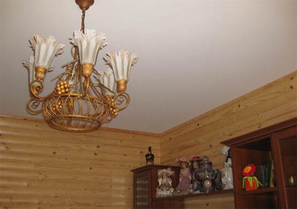 ремонт потолков в деревянном доме
