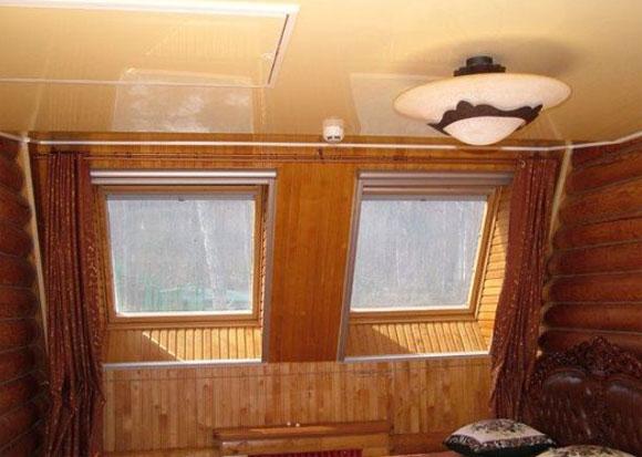 подшивка потолка в деревянном доме особенности
