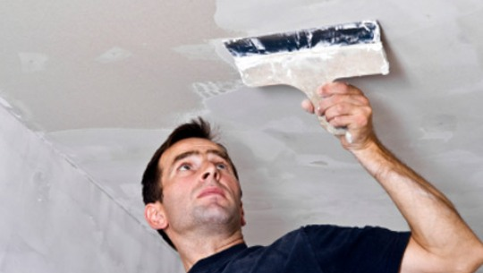 подготовка потолка перед покраской, шпаклевка, грунтовка