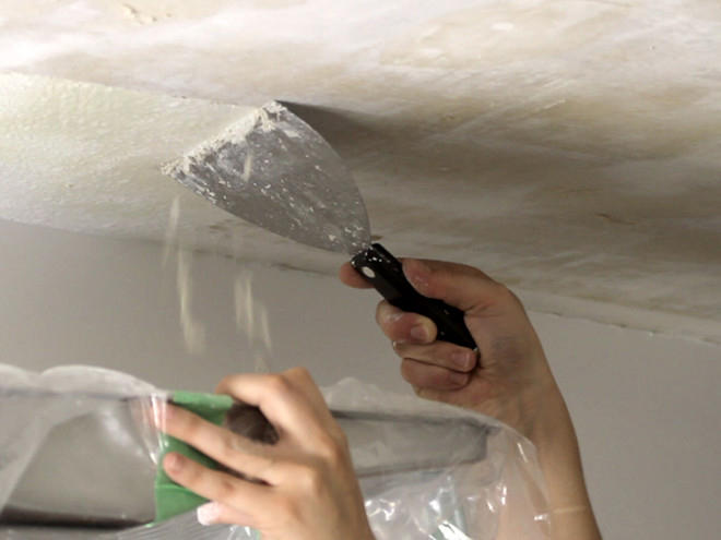 Способ удаления краски с потолка будет зависеть от вида самого покрытия