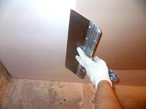 Подготовка потолка под флизелиновые обои