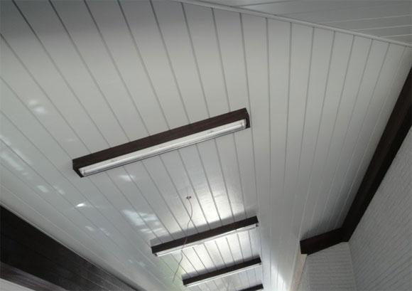 как правильно подшивать потолок
