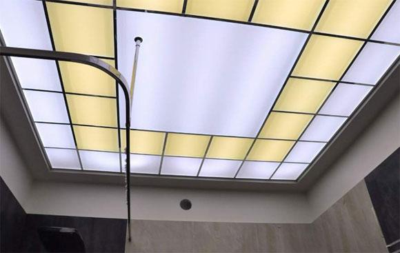 потолок из стекла с подсветкой своими руками