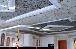 потолок покрытый жидкими обоями