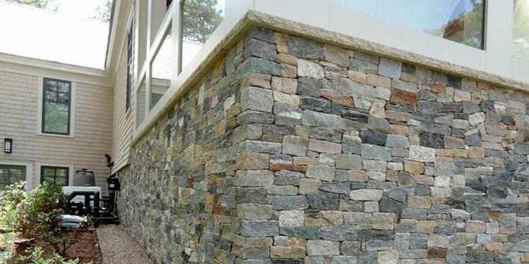 цоколь-из-природного-камня.jpg