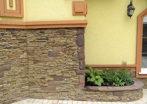 Укладка натурального камня на цоколь. Как сделать облицовку цоколя натуральным камнем: пошаговая инструкция. В статье детально описывается методика облицовки цоколя природным камнем.