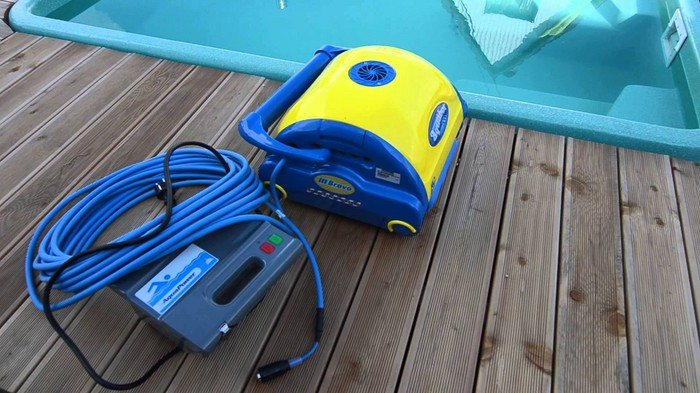 Как сделать пылесос для дачного бассейна своими руками?
