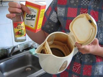 Сода с уксусом отлично очистят трубы