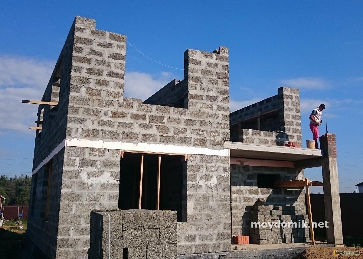 постройка дома из арболита