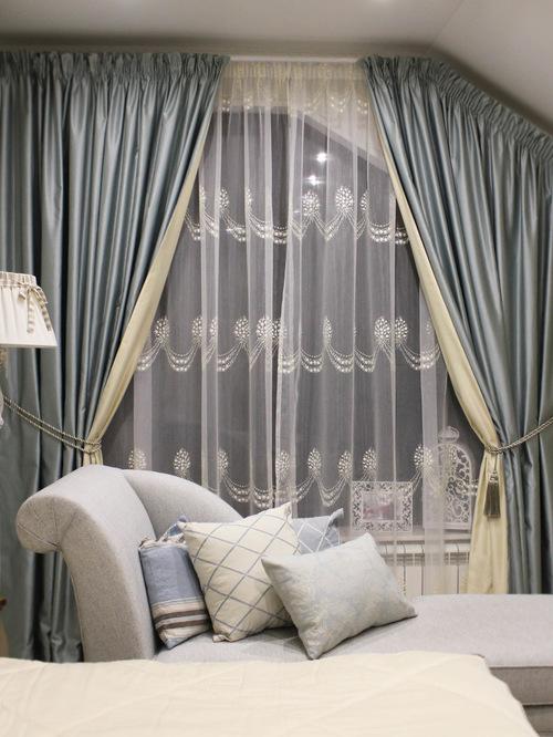 двухстронние шторы в гостиной