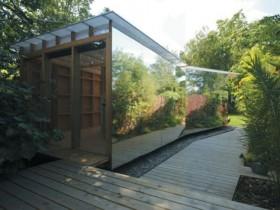 Зеркальный садовый домик