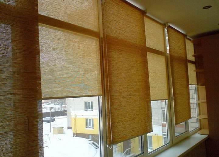 Выбор жалюзи на балкон: какие лучше