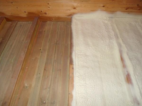 За счет хорошей адгезии ко всем строительным материалам, пена образует сплошной слой