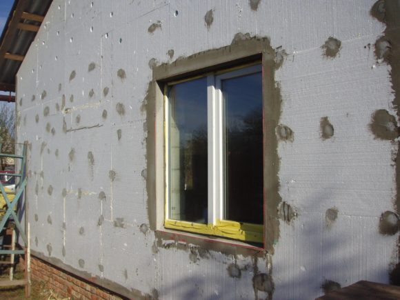 Утепление стен из газобетона пенопластом