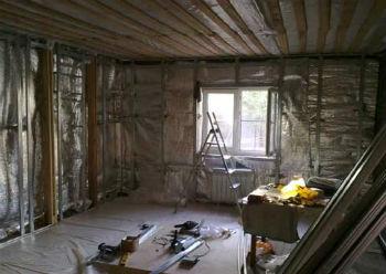 Пример использования фольгированной пароизоляции для защиты внутренних стен