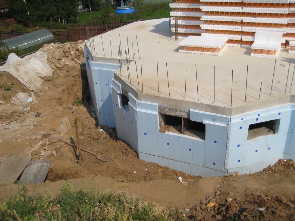 51 Выбор фундамента в зависимости от назначения постройки и типа грунта